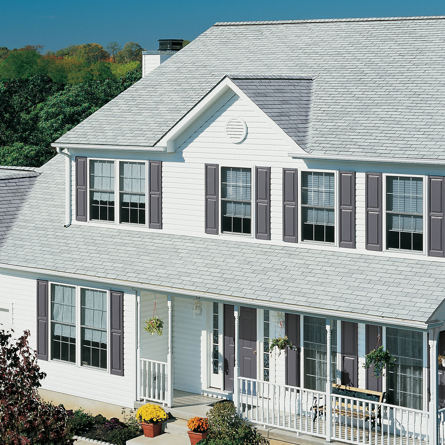 GAF Royal Sovereign 3 tab strip shingle -White